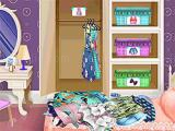 Play Fashion doll house cleaning now